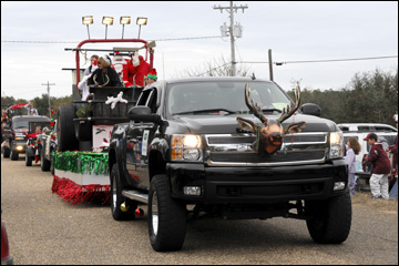 Decorate Pickup Truck For Christmas Parade